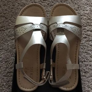 Naturalizer Westly Gold Leather Sandals 7.5M new